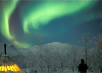 Aurora boreal y tienda sami. Foto: Björn Klauer