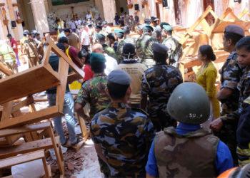 Las autoridades de Sri Lanka redujeron hoy a 253 el número de muertos en la serie de atentados del pasado domingo contra iglesias y hoteles de lujo. Foto: EFE