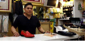 """Antonio Arellano conocido como """"el zapatero del Papa"""". Foto: EFE"""