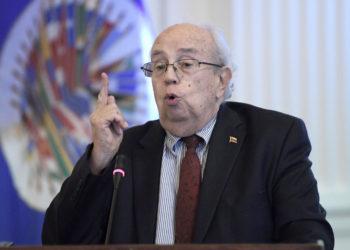 """Gustavo Tarre, representante permanente ante la OEA """"designado"""" por el Parlamento de Venezuela. Foto EFE."""