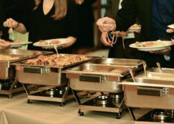 Investigadores hallan la causa por la cual las personas comen sin tener hambre. Foto: EFE